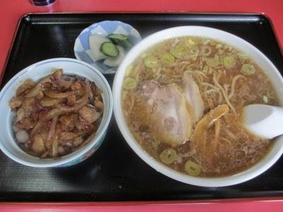 mikaduki_syokudo_4.jpg